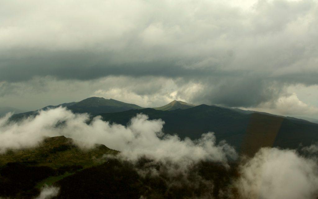 Loty widokowe nad najwyższymi szczytami Bieszczadów