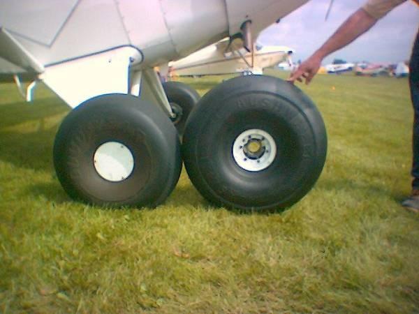 opony samolotu typu bush tyre