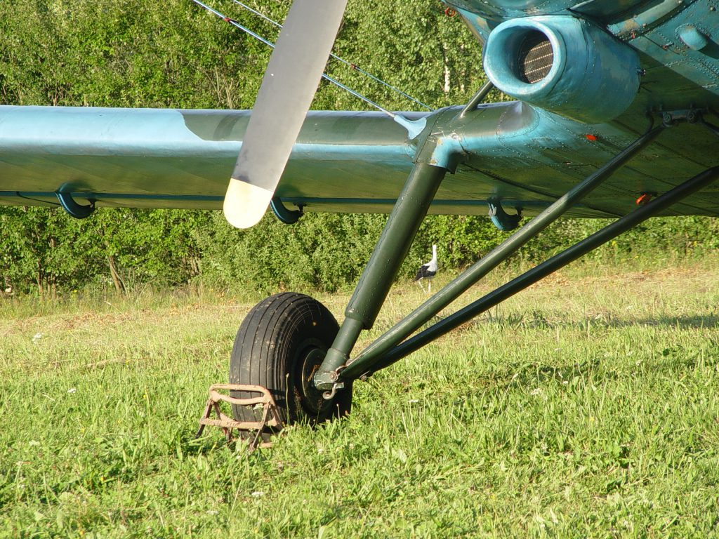 podwozie samolotu An-2
