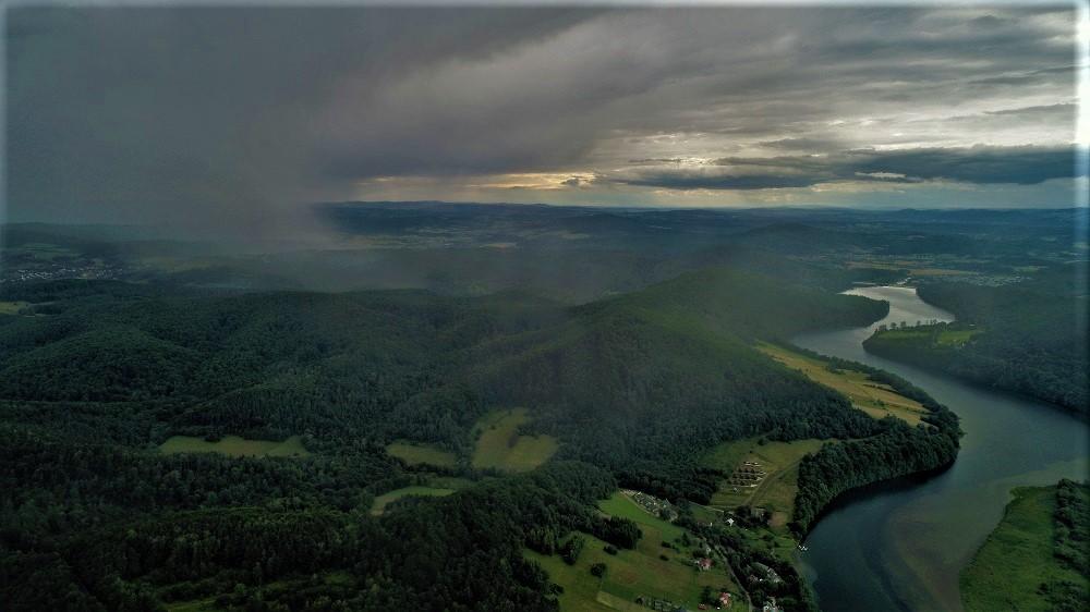 Loty widokowe - Bieszczady skąpane w deszczu