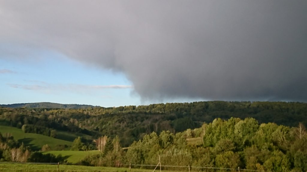 Chmura burzowa Cb w Bieszczadach