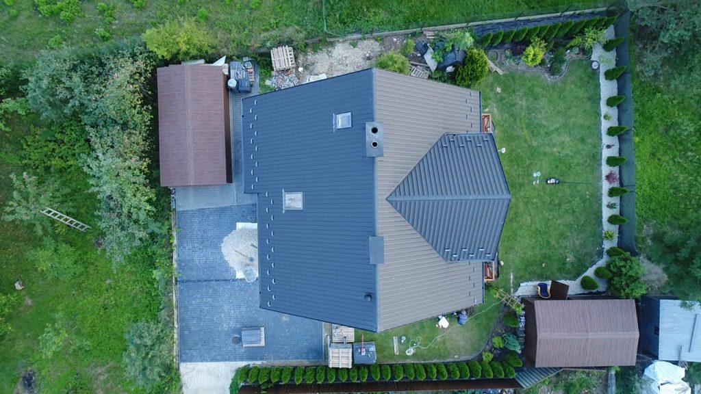 Zdjęcie z drona dach iu i działki